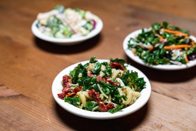 kale mac and cheese side