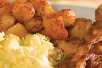 breakfast potatoes with eggs and bacon